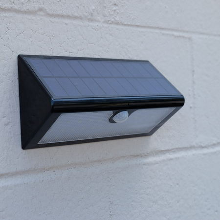 Outdoor WiFi Solar LED Spy Camera/DVR